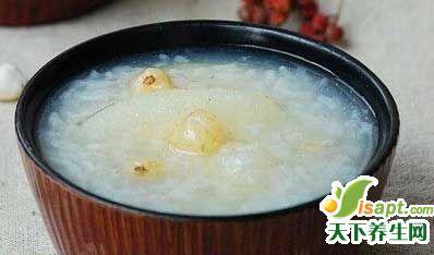 梨粥是秋季老人养生最佳食谱
