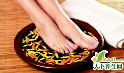 泡脚减肥法 让自己美起来