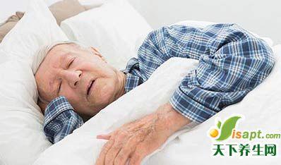 老人常犯困 小心是疾病信号