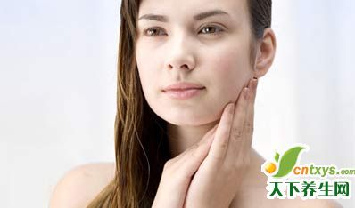 夏季颈部肌肤护理法